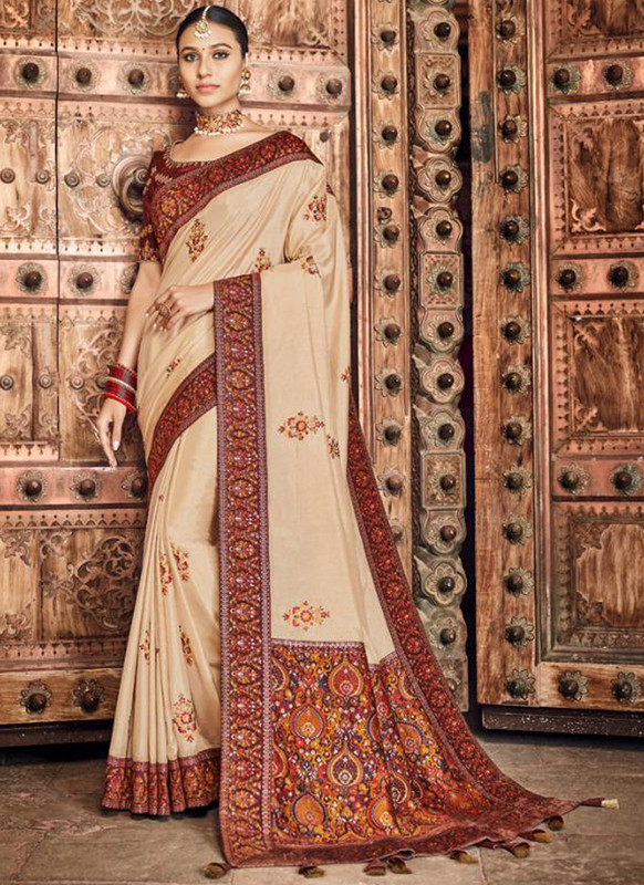 SareeBuzz Cream Dola Silk Kalamkari Print Traditional Saree