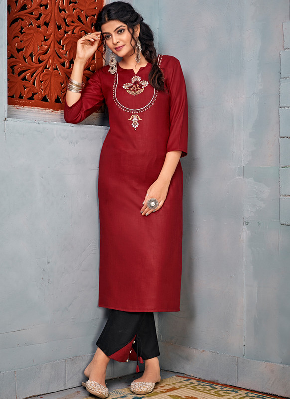 SareeBuzz Maroon Rayon Embroidered Wrok Party Wear Kurti